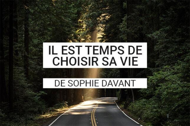 Sophie Davant nous apprend à travers son livre qu'il est possible justement de tourner la page et de pouvoir vivre sa vie ! Une vie heureuse et épanouie ! Ou du moins, une vie où l'on accepte ce qui se passe pour avancer !